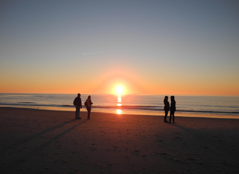 Ob morgen die Sonne wieder aufgeht, kann ich nicht mit Gewissheit sagen. (Bertrand Russell)