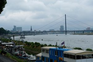 Blick auf die Oberkasseler Brücke